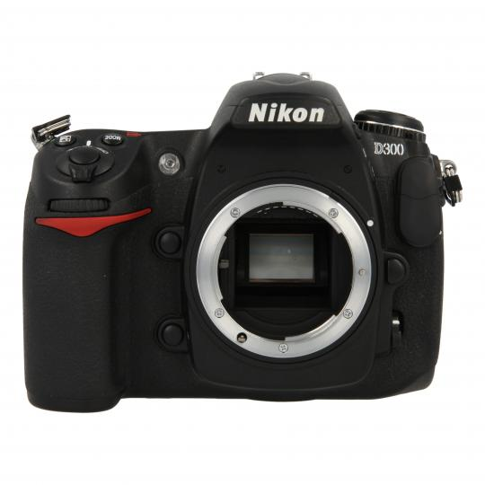 Nikon D300 Schwarz gut